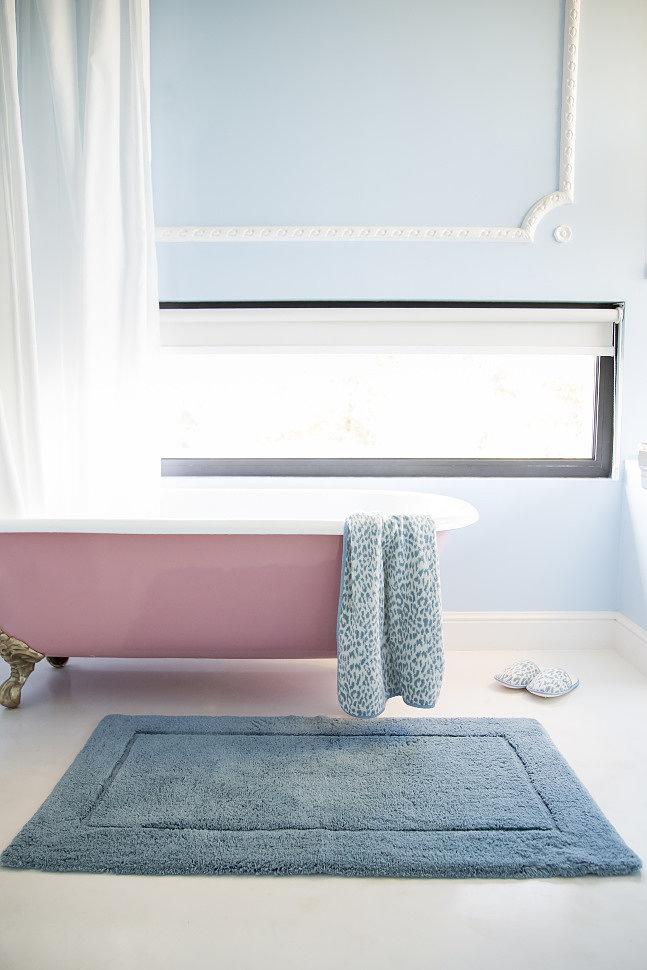 Однотонные коврики для ванной комнаты